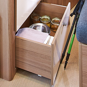 confort s curit les quipements d 39 un fourgon am nag ou van dreamer. Black Bedroom Furniture Sets. Home Design Ideas